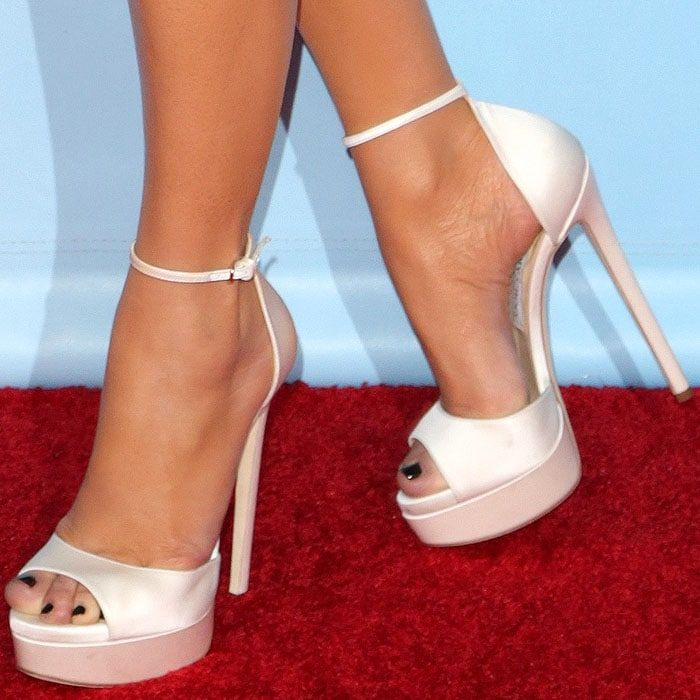 2f3834aeefa Jennifer Lopez s feet in Jimmy Choo  Max  white satin platform sandals