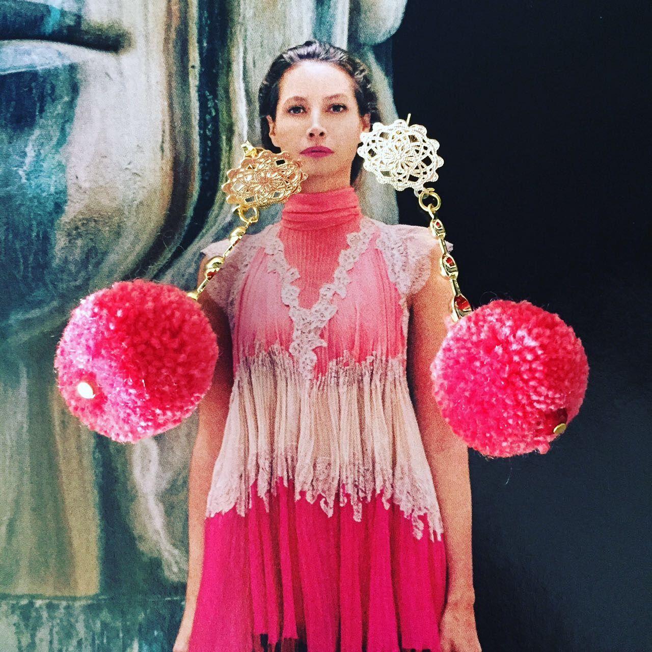 d4e7d2201a47 Somos una empresa apasionada por el tema de accesorios artesanales llenos  de colorido para mujeres que