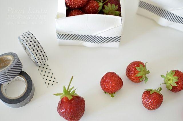 http://pienilintu.blogspot.fi/2013/07/diy-strawberry-boxes.html