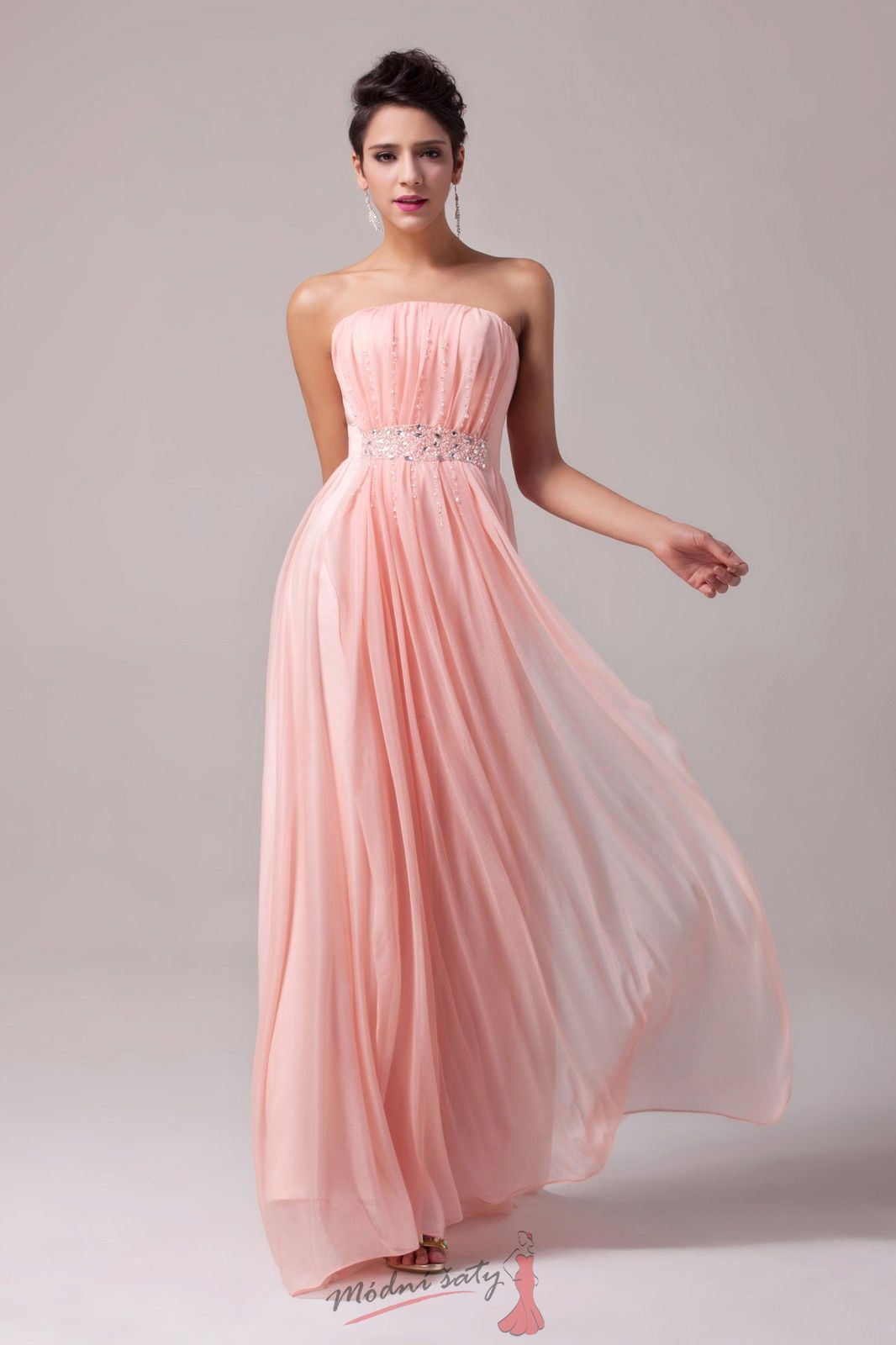 Romantické plesové šaty s čirými korálky | Dresses | Pinterest ...