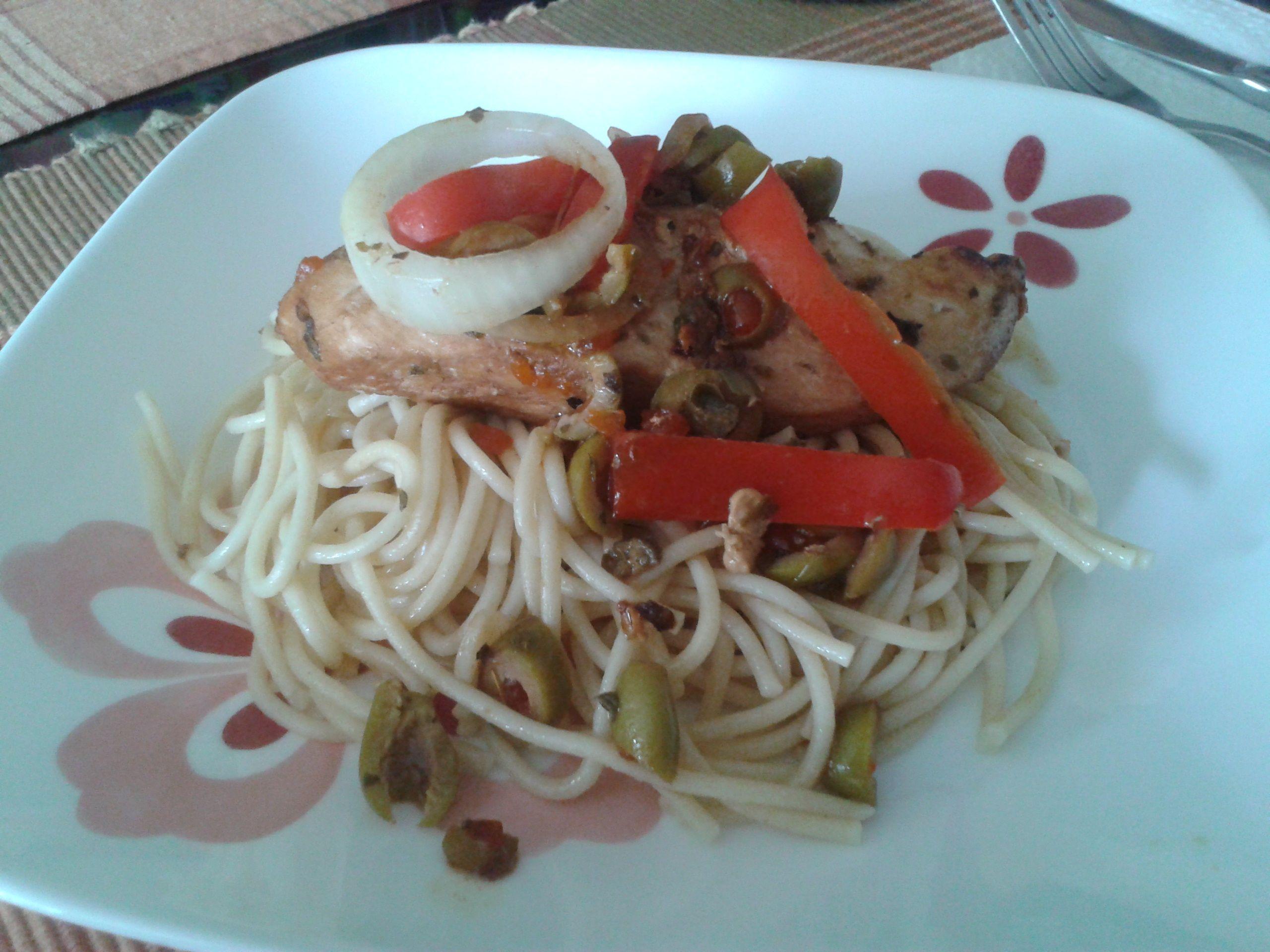 Spaguetti con Pollo y vegetales @Home
