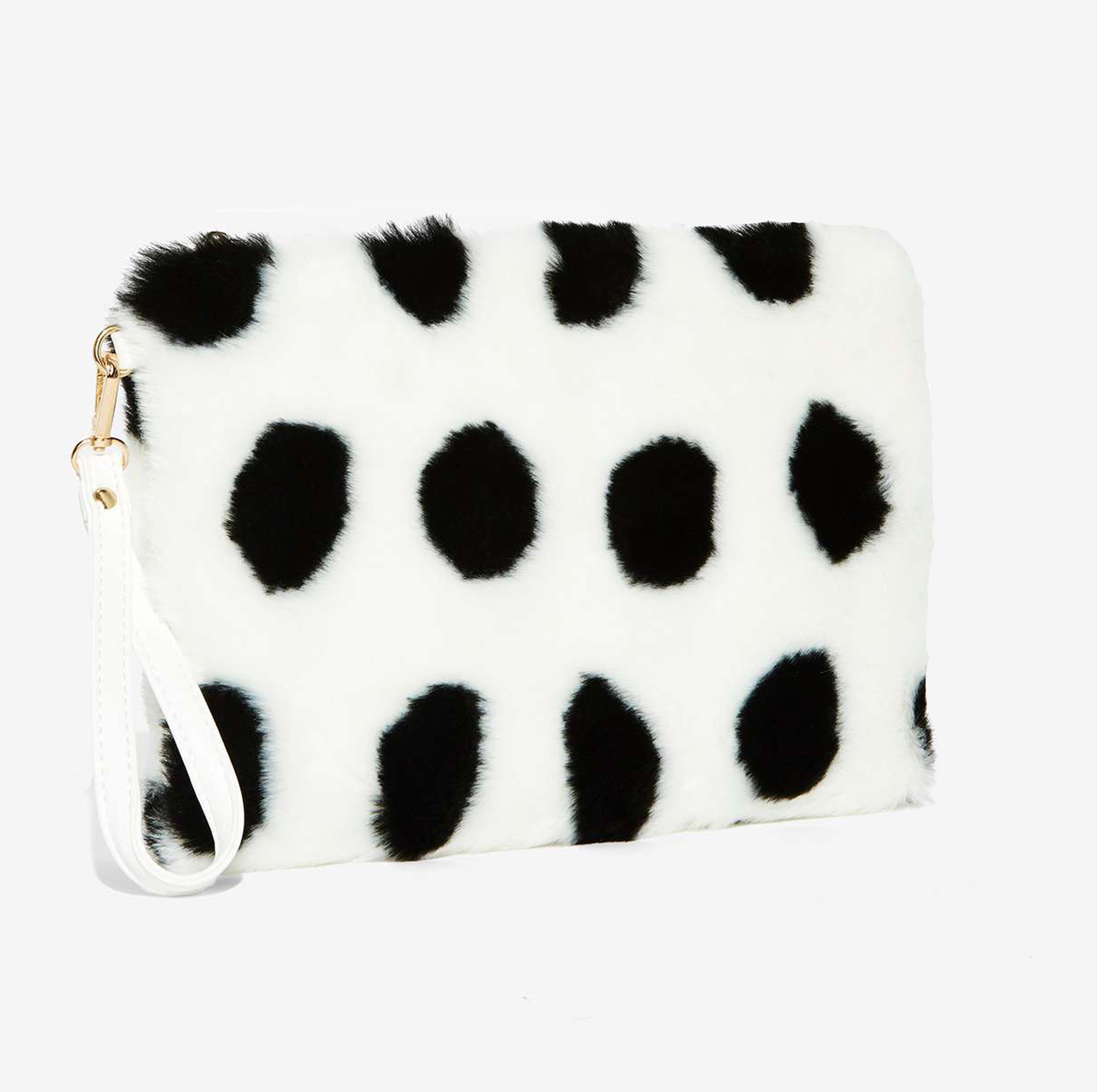 Polka Dot Clutch #furry #soft #fallfashion #shopnoveme #polkadot #clutch