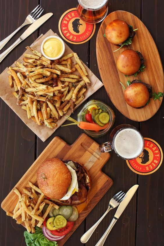 Great serving idea for certain foods...burgers, ribs ...Pub Food Burgers