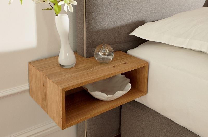 lit avec table de chevet integre