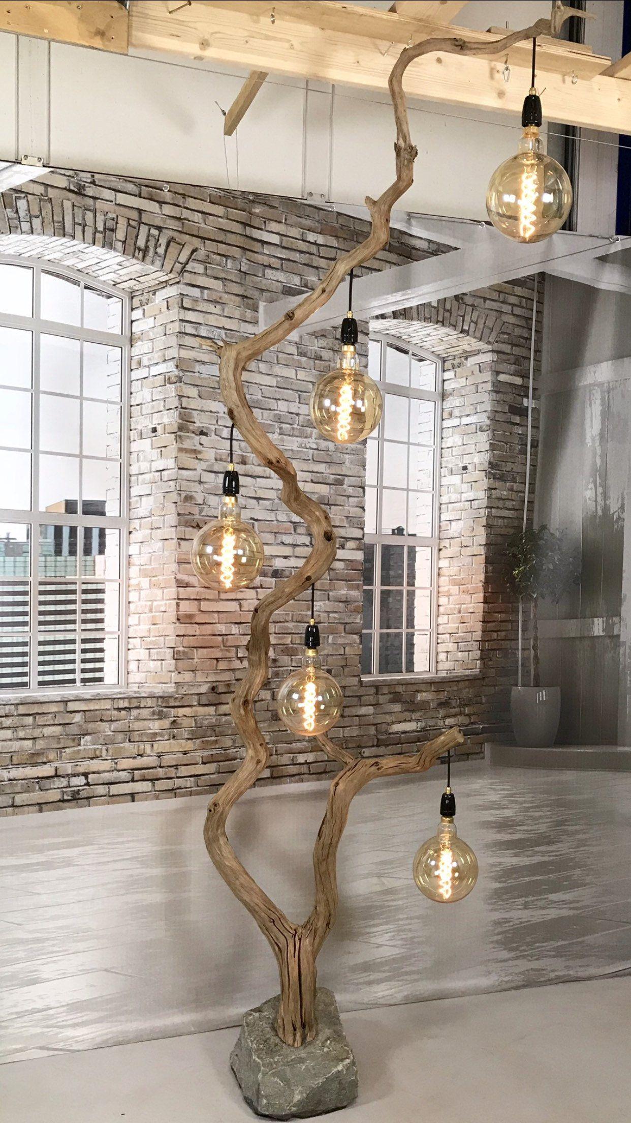 Floor Lamp Of Crooked Old Oak Branch Etsy Lampara Colgante De Madera Decoraciones Del Hogar Decoración Barata Del Hogar
