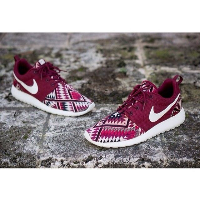 Nike Roshe Courir Niwreig Natif Rouge le magasin 9osZkxIAHb