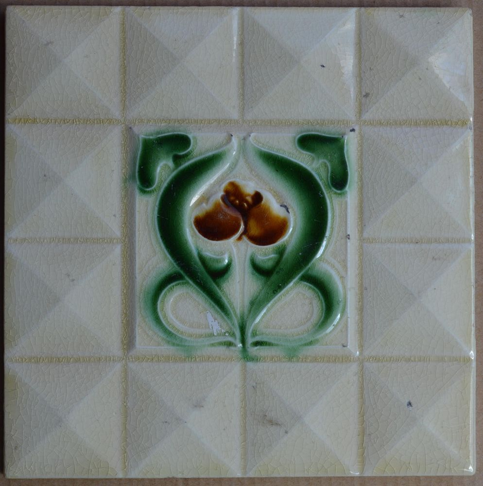 UNKNOWN EUROPEAN MAJOLICA TILE C1900