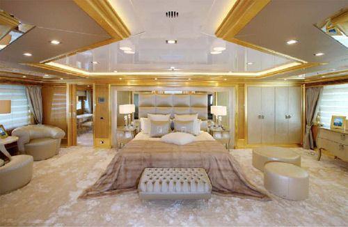 Lo yacht Lady Lara Benetti decorato by Fendi Casa | Camere