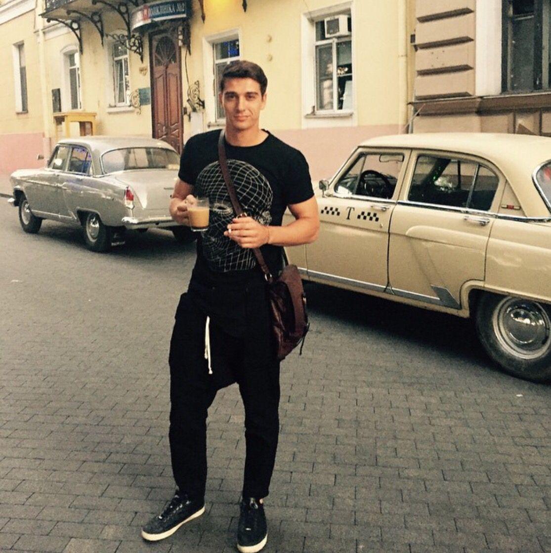 Biography of Stanislav Bondarenko: childhood, youth, success, love 31
