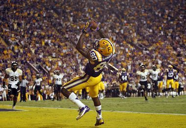 pulls away from Idaho in second half for 63-14 victory LSU's Jarvis Landry makes touchdown catch in win over Idaho.LSU's Jarvis Landry makes touchdown catch in win over Idaho.