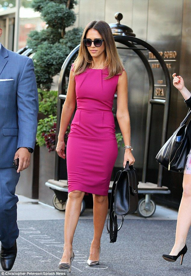 29eb51369bbf Fantastic look  Jessica Alba displayed her stunning physique in a  sleeveless fuchsia dress which she teamed with a shiny pair of silver  stilettos in New ...