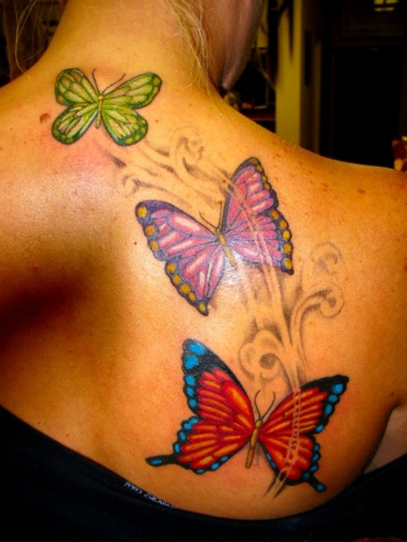 32+ Amazing Upper back tattoos for females small ideas in 2021
