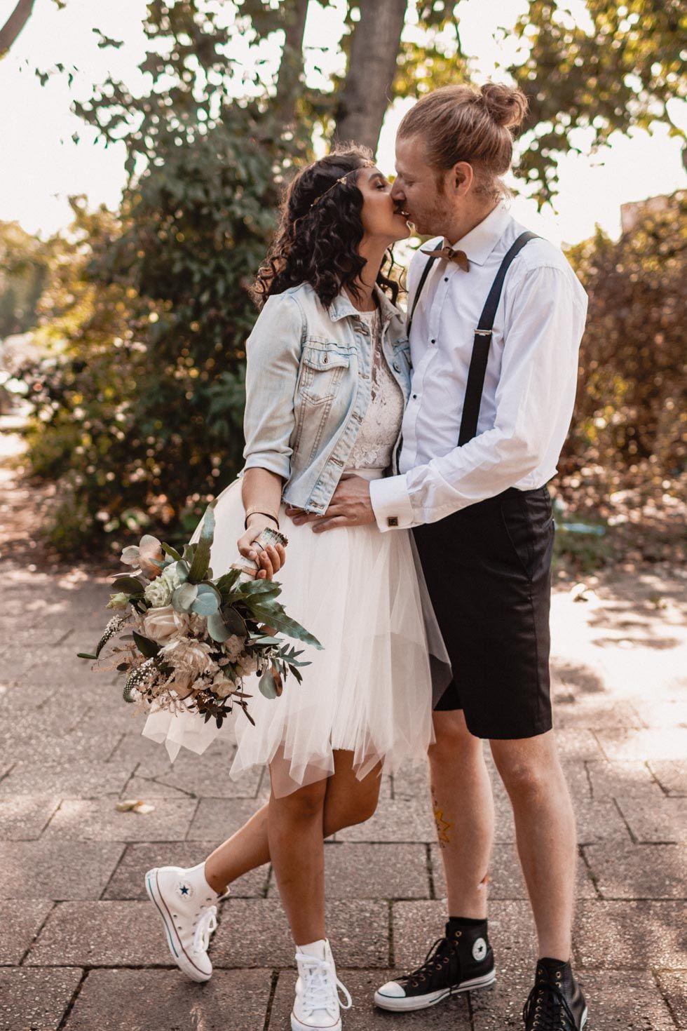 Anne Wolf Brautkleider  Braut, Hochzeitskleid jeansjacke, Kleider