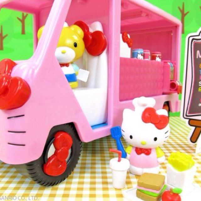 Hello Kitty Toys R Us : Hello kitty food truck at toys r us maquillajes