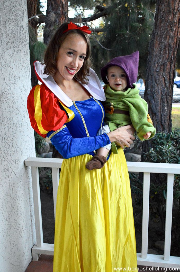 Dopey!!! Cutest mamababy costume ever! Dwarf costume