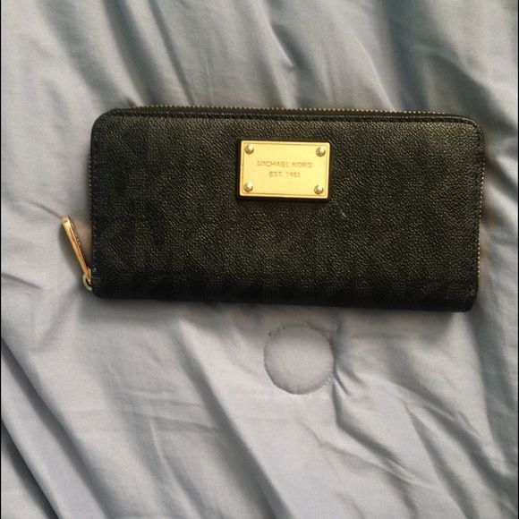 Michael Kors wallet Two toned black MK wallet with gold hardware Michael Kors Bags Wallets