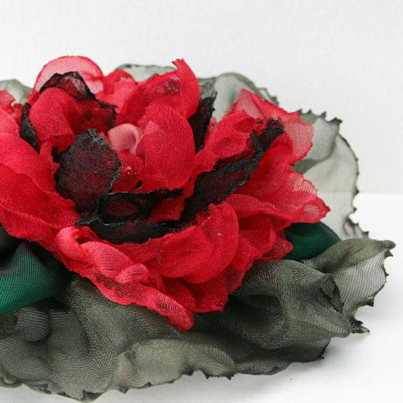 Love this flower- looks like a big red poppy