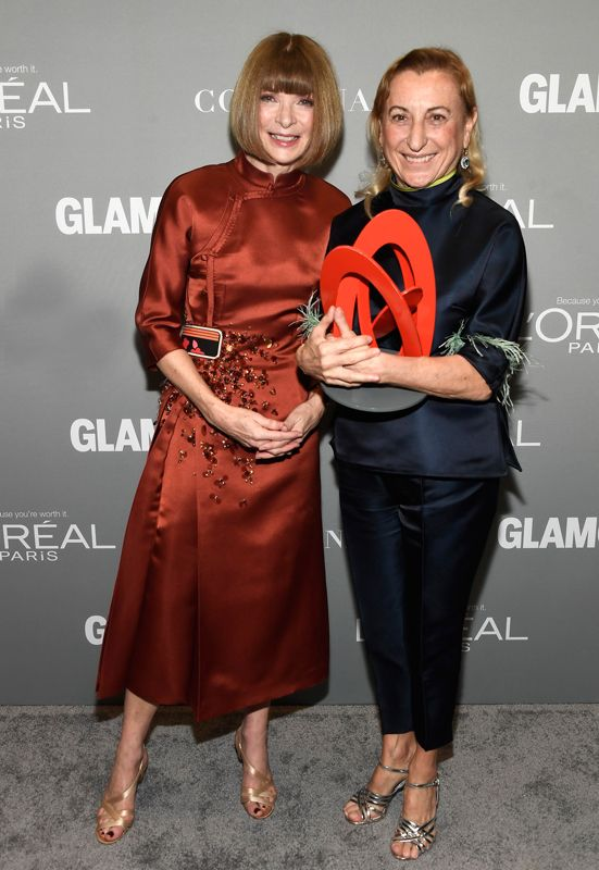 http://style.corriere.it/wp-content/uploads/2016/11/800Miuccia-Prada_Anna-Wintour_Glamour-Women-of-the-Year-2016-1.jpg