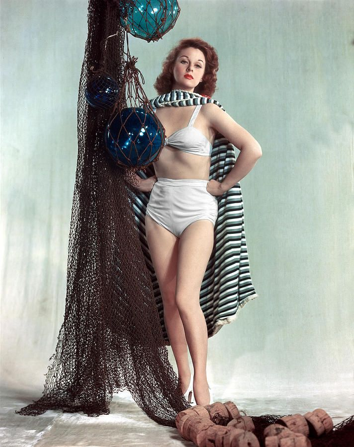 susan hayward measurements