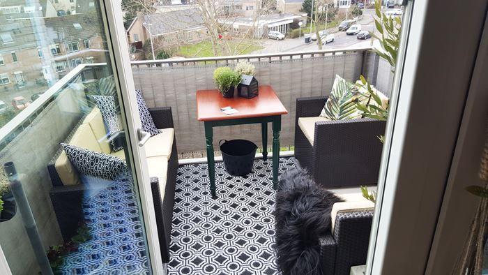 Tapijt Voor Balkon : Klantfoto van een plastic buitentapijt met grafisch patroon op klein