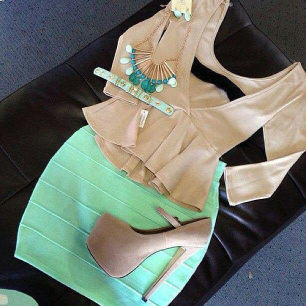 Light green and beige look ♥ really love the top