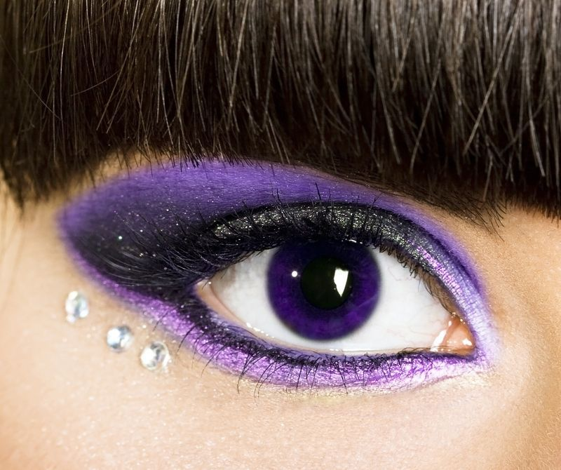 Purple Eye Contact Lenses | Evening make up purple with ...