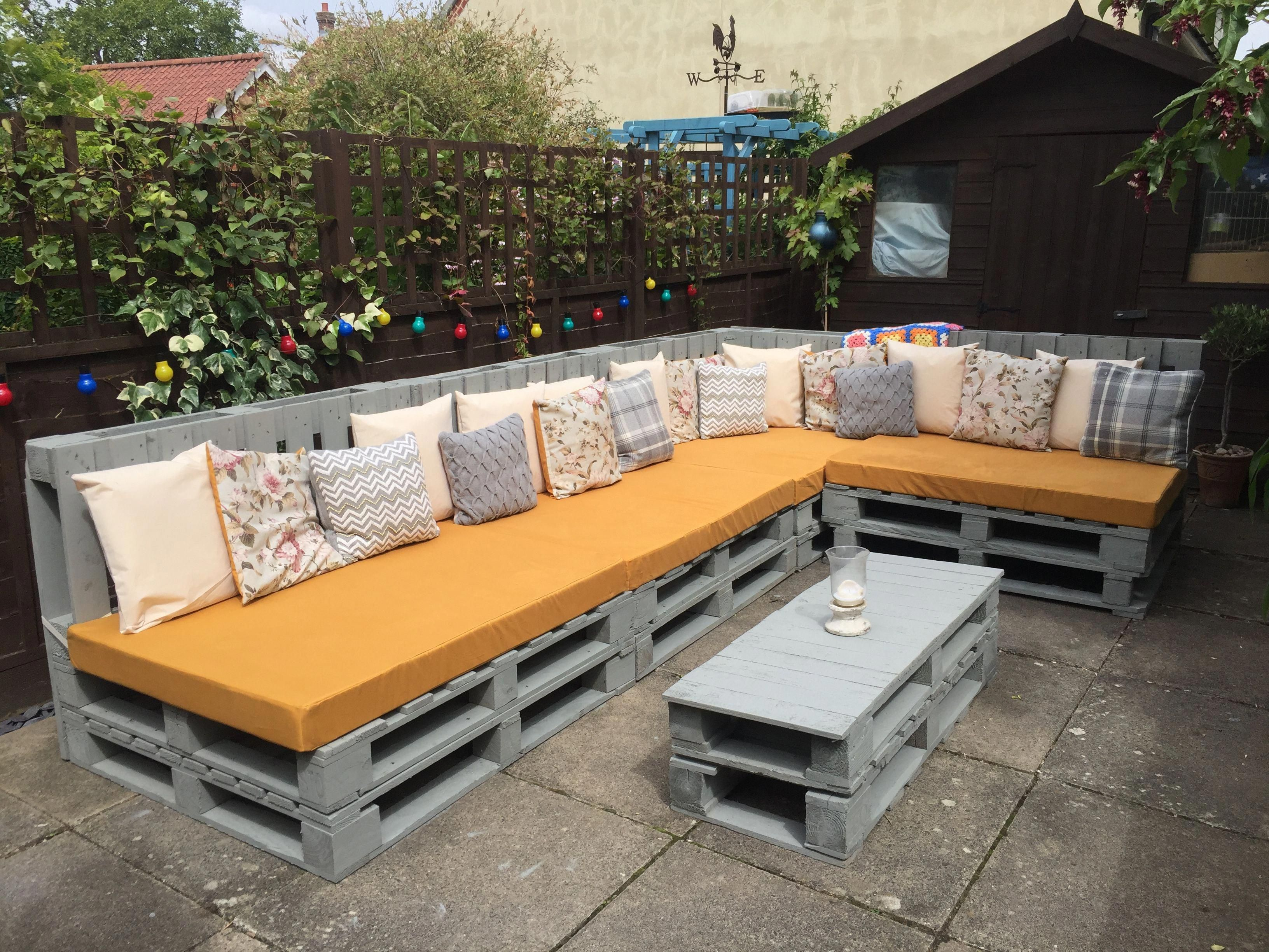 Unique And Awesome Pallet Garden Furniture Pallet Garden
