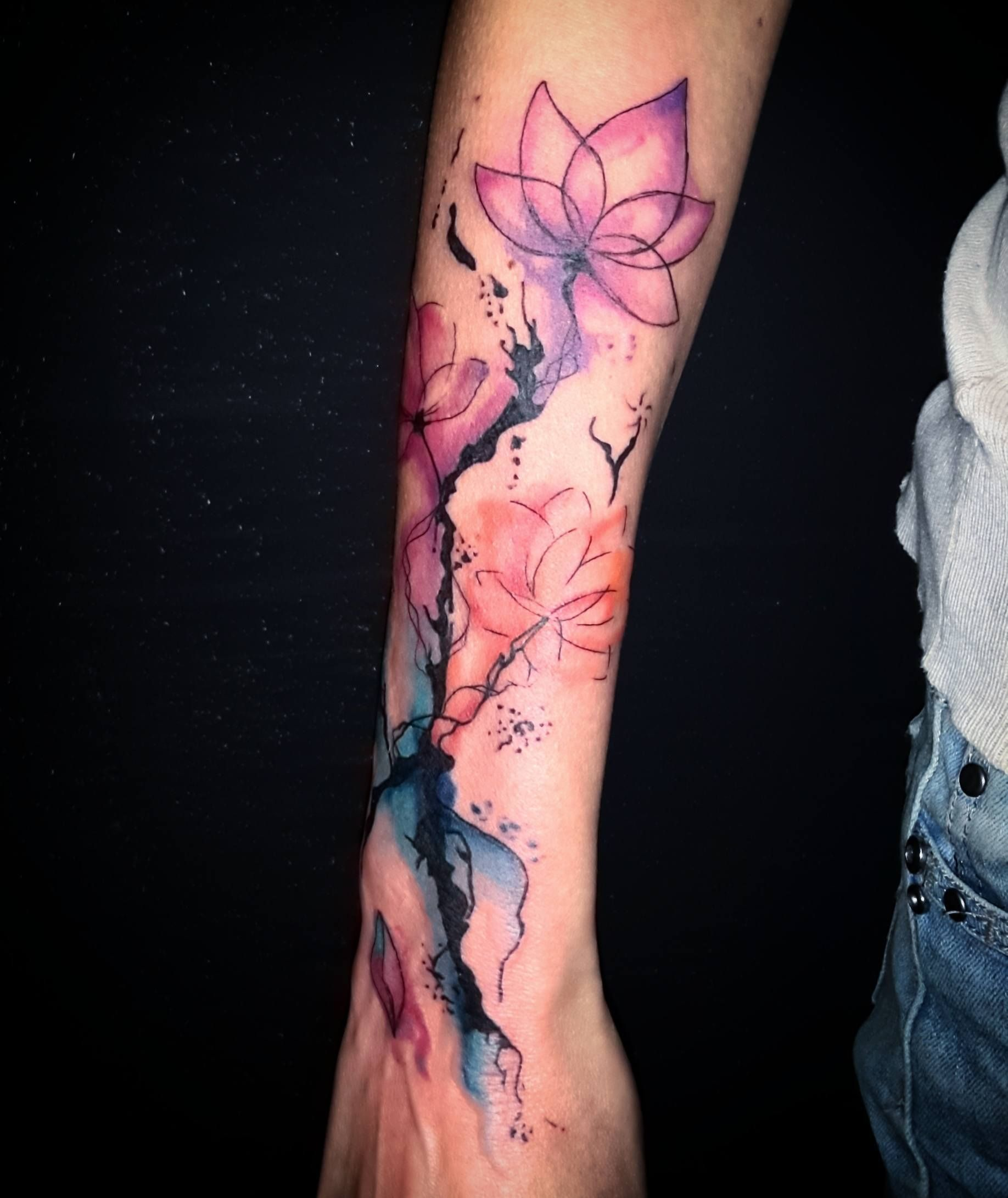 Tatouage Aquarelle Bras Christophe Studio Le Salon Tatouage