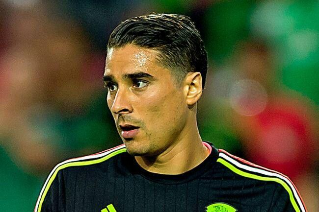 Memo Ochoa Soccer Player Hairstyles Football Players Best Football Players