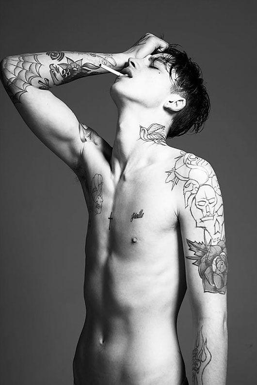 Tattoed twink pounds skinny blokes