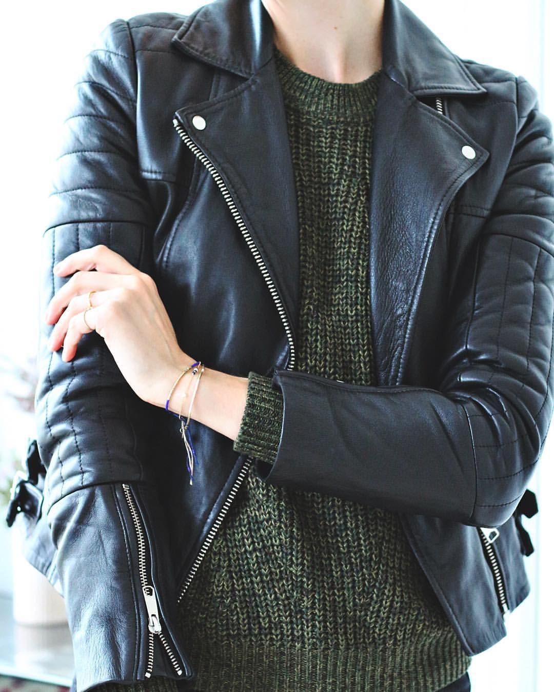 "b21a7587d7a Christina Dueholm på Instagram: ""Autumn = leather jackets "" Motard Chic, ,  Apparance"