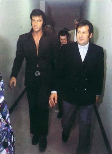 Resultado de imagem para elvis and joe esposito  1969
