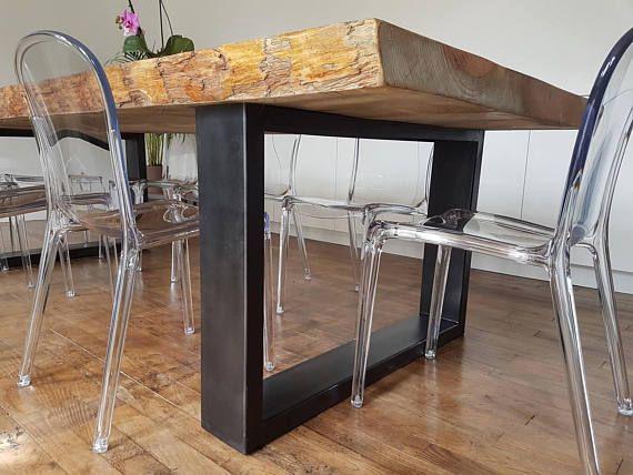 Superbe Table de salle à manger sur une structure de pied en acier