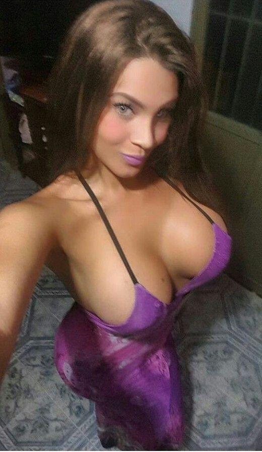 sexy boobs selfie