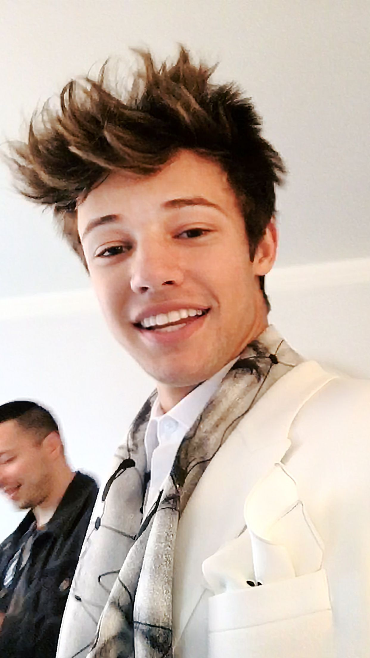 NEWS&Trends 8.5.2016 ...Cameron Dallas Gets Ready for the Met Gala With Sushi, Shaving Cream, and Some Sick Dance Moves