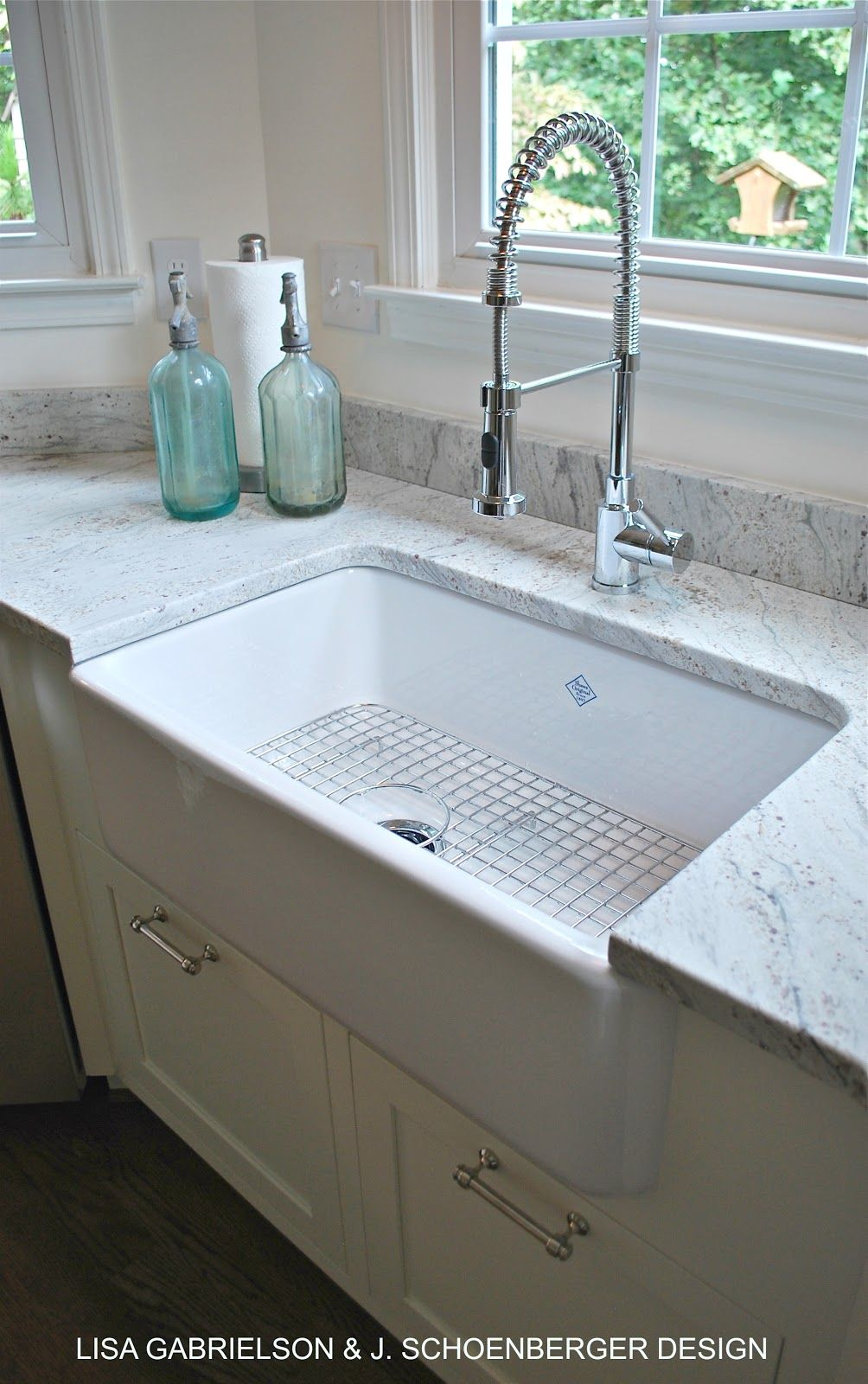 sink with metal grate and drain to the side! what do you think about ...