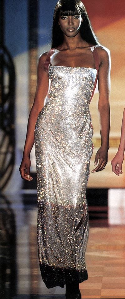 01c4f3d8160 Gianni Versace Haute Couture   Fall 1995   Naomi
