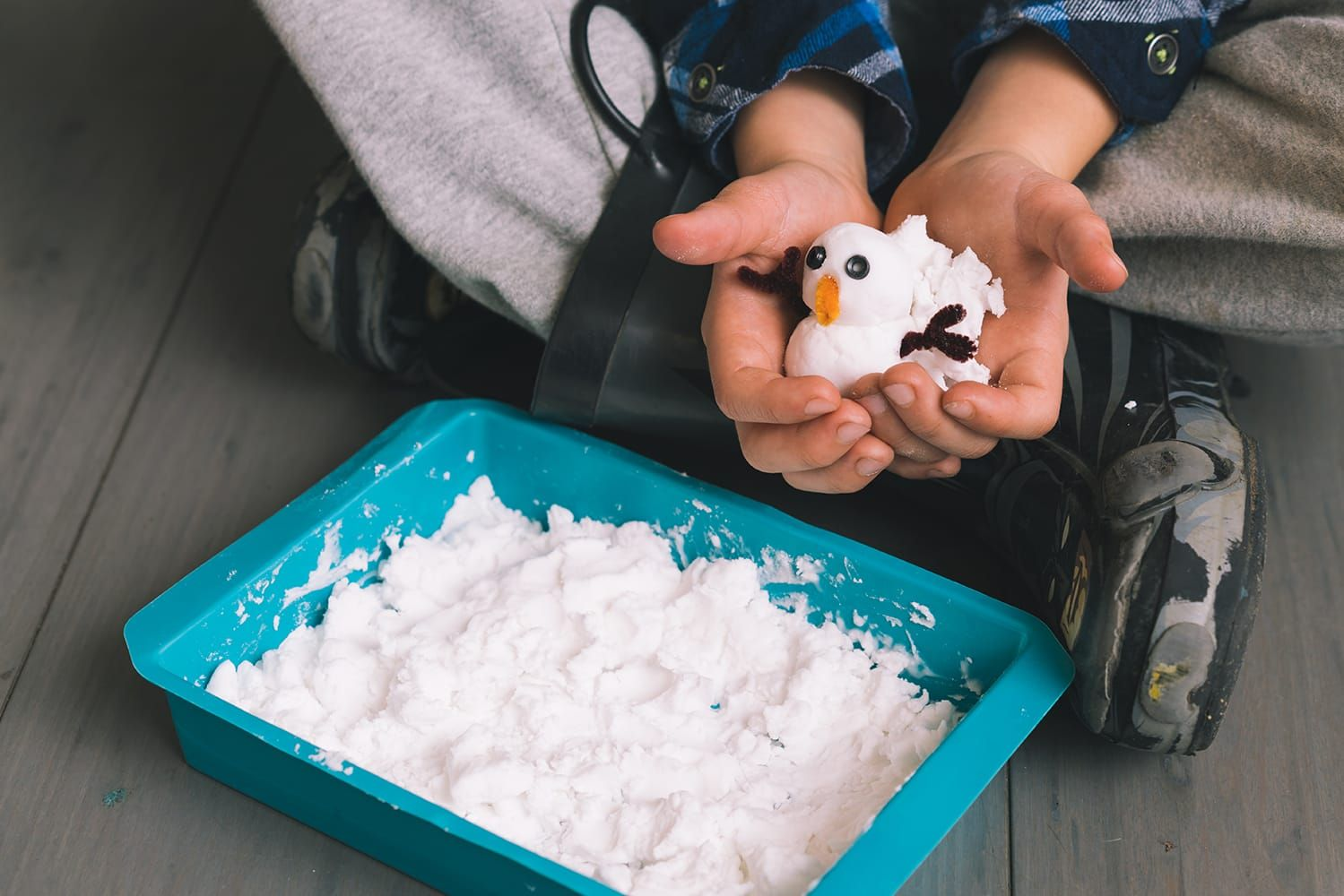 How to Make Fake Snow Sensory snow, Craft activities for