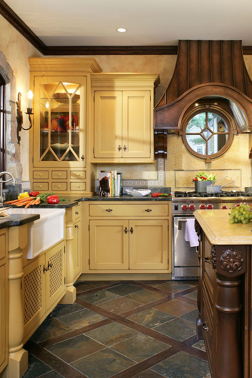 4 Steps To Choose Kitchen Paint Colors With Oak Cabinets Interior Decorating Colors Grey Kitchen Walls Simple Kitchen Design Oak Kitchen Cabinets