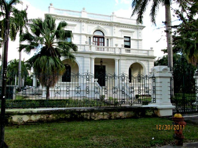 CASA VALES - BUILT IN 1905 - CURRENTLY A BANK - PASEO MONTEJO MERIDA YUCATAN MEXICO