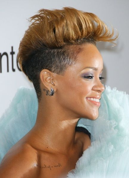 Rihanna Looks Gorgeous With Her Edgy Blonde Mohawk