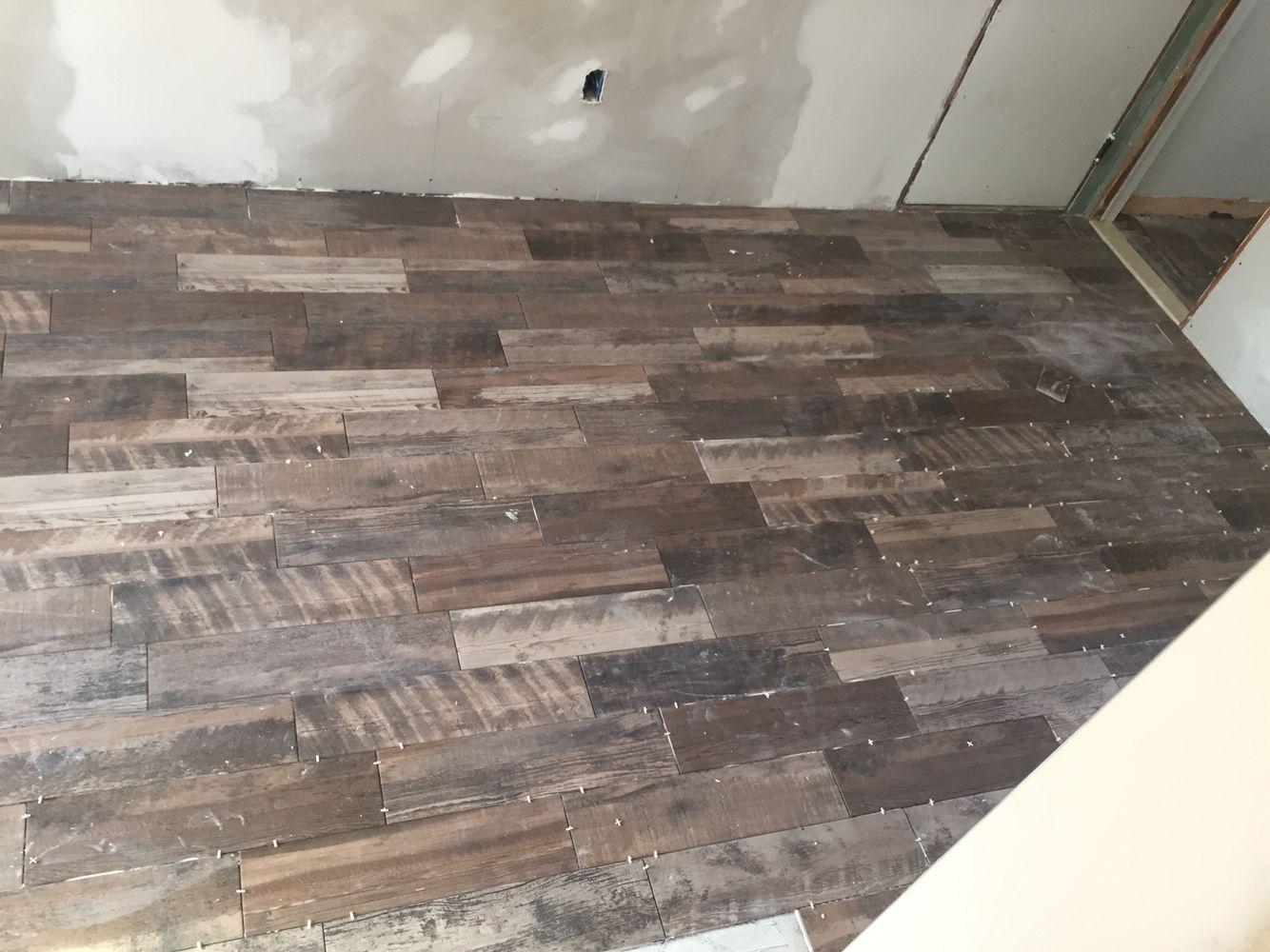 Marazzi Weathered Gray Tiles Looks Like Wood But It S Tile