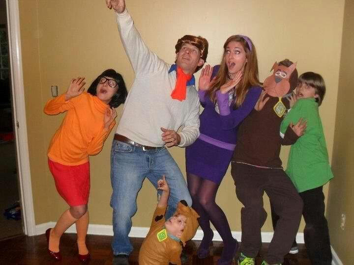 DIY Scooby Doo Halloween family costume idea. Schmidt family 2011 :-)