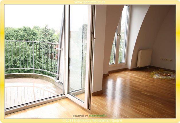 SingleDachgeschosswohnung in einem Neubau zu vermieten