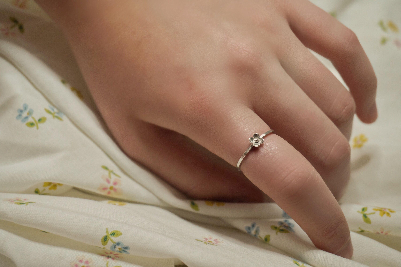 Dainty Silver Flower Ring