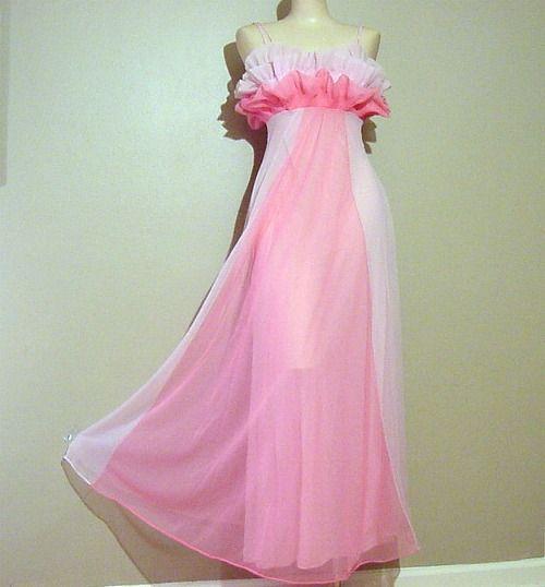 1950s Glamorous Vanity Fair Pink Goddess Nightgown