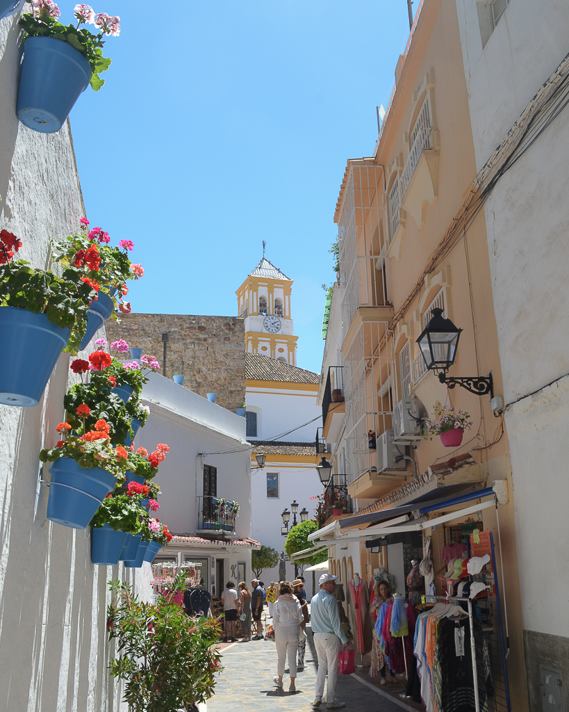 Pueblos Blancos Y Mediterráneo El Mejor Mix En La Costa Del Sol Mijas Nerja Marbella Y Más Vero Palazzo Pintar Muebles En Blanco Nerja Destinos De Playa