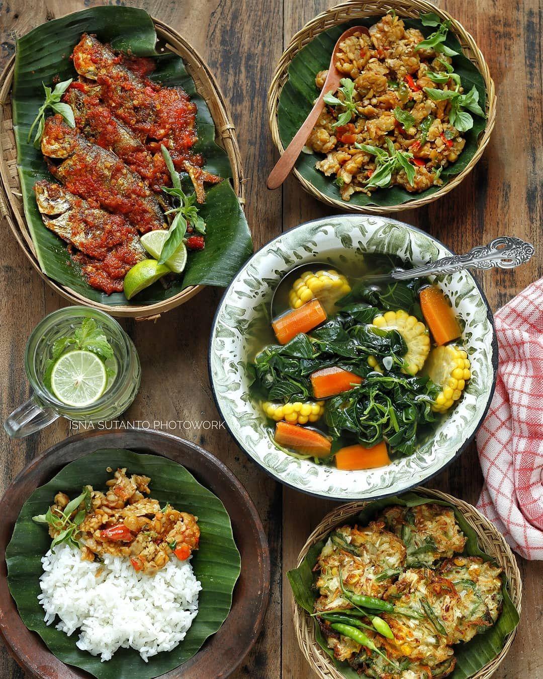 Met Lunch Semua Sesekali Boleh Lah Yaa Pajang Menu Komplit Biasanya Sayur Mayurnya Gak Pernah Ikut Eksis Cuma Lauk Anak2 Makanan Resep Masakan Masakan