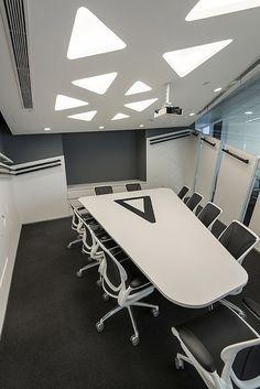 futuristic meeting room google zoeken office pinterest rh pinterest com