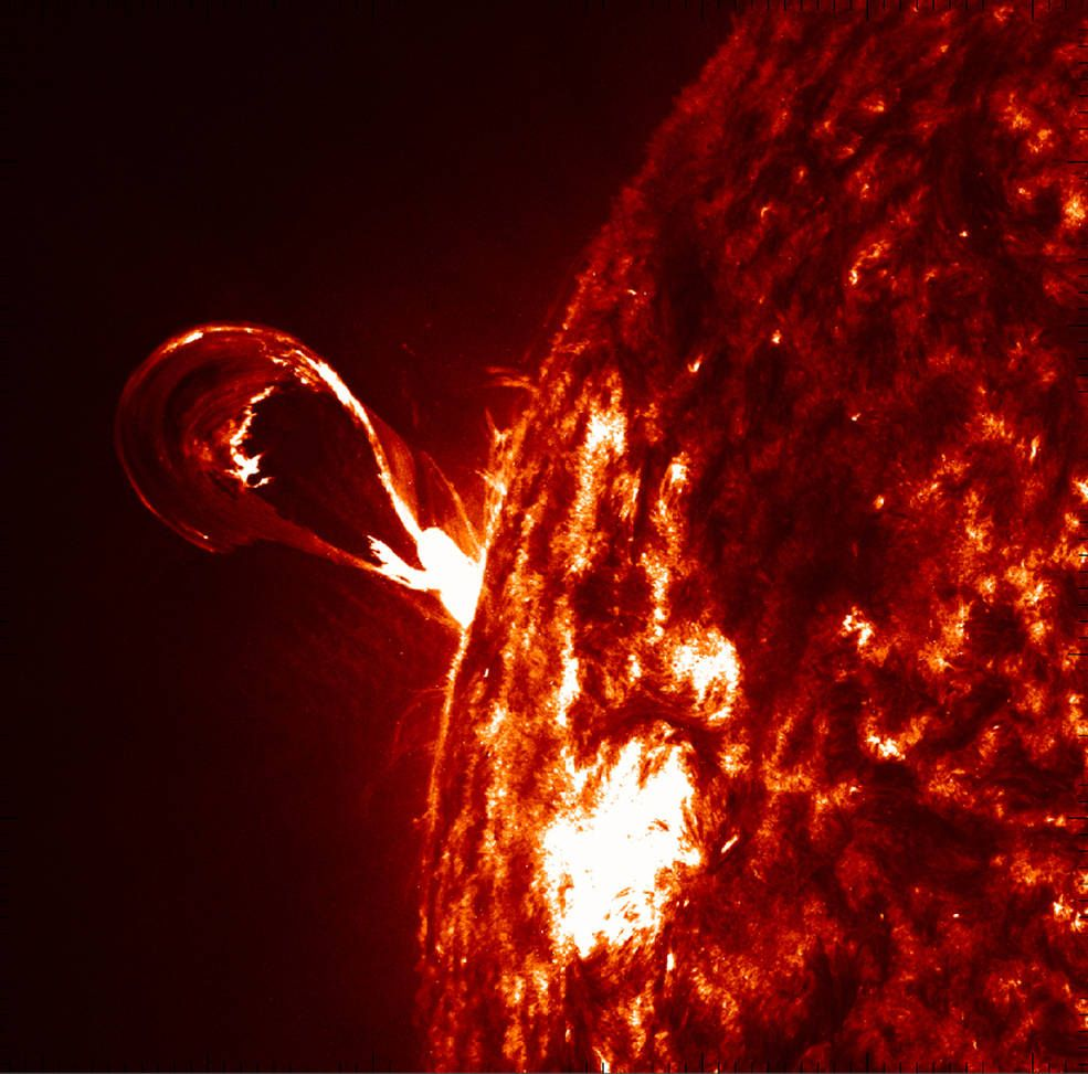 SOHO and Hinode Offer New Insight Into Solar Eruptions